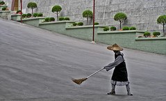 sweeping (johnnyb4) Tags: duty taiwan monastery sweeping cleanliness godliness