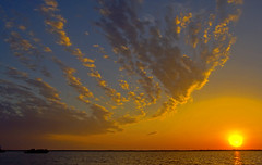 13MAY06 Key West FL USA (key lime pie yumyum) Tags: sunset sea clouds tonightssunset good2 good3 good4 good6 good7 good1 good8 good9 good10