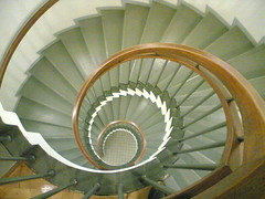 Lookin' down (hugovk) Tags: cameraphone stairs finland lookin spiral this is spring airport fantastic helsinki looking awesome may down 2006 stairwell lookingdown hvk hel vantaa nautilus lookindown miss amonite amonites thisisawesome