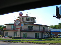 Satellite of Love (WigglyMan) Tags: building sign funny motel odd signage cheesey