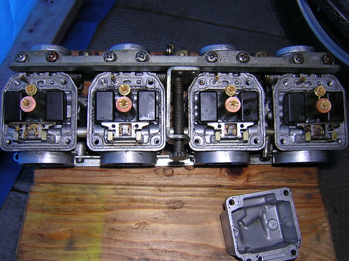 Hitachi Carbs from a Yamaha XJ750 Cleaned!
