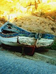 Restos (c_m_a_g_s) Tags: portugal boat barco algarve burgau thisisportugal