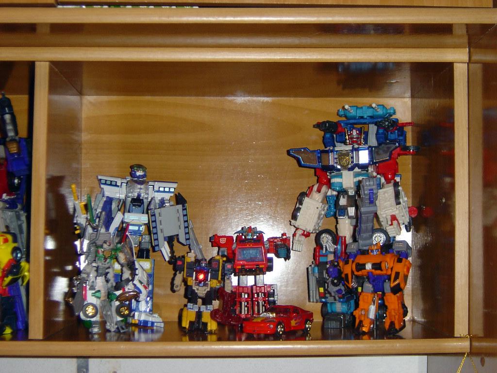 Estanteria derecha de Transformers