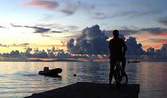 Le bout du chemin (iko) Tags: voyage travel sunset sky cloud bike island pier boat screensaver francaise ile ciel nuage velo ponton coucherdesoleil polynesie oceanie huahin