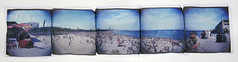 Espectáculo (Cℓea tecℓea) Tags: barcelona panorama beach polaroid holga lift 88 holgaroid emulsion emulsionlift