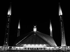 (cageitfallsinto) Tags: pakistan bw mosque faisal islamabad