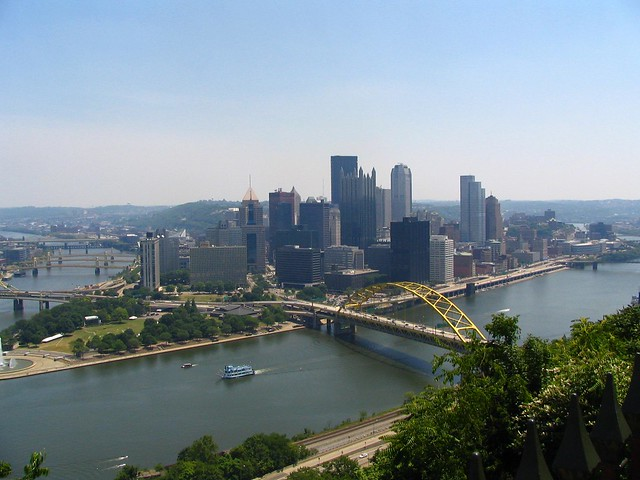 The picture that every tourist in Pittsburgh takes