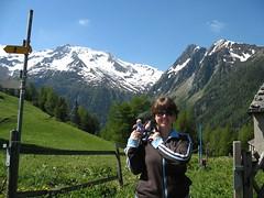 IMG_3251 (nikoretro) Tags: travel blue summer mountain france alps tourism june montagne alpes toy europe soft tour gloomy donkey 2006 plush adventure traveling eeyore chamonix montblanc 606 touris june2006 eeyoresgloomyadventures europeantour2006 swflsceuropeantour06 southwestfloridasymphonychorus swflsc