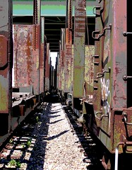 In a tight spot (Jer*ry) Tags: train track railyard posterized
