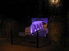 Cyclists Dismount ([fakey]) Tags: london night alleyway bow e3 guesswherelondon guessedwhere fakey graveyardoftheunguessed tomthumballeyway lawrencegrove mostyngrove