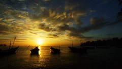 moody sunset moor (Hardy.backyardGEO) Tags: sunset shadow sky cloud boats boat moody malaysia mooring moor westcoast moored colorsofthesoul