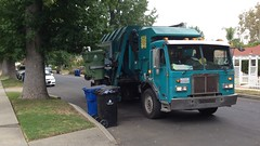 36491 (SoCalGarbageTrucks) Tags: trash yard truck la garbage side waste refuse loader recycling sanitation peterbilt 320 automated amrep