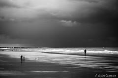 Paz y ciencia (AvideCai) Tags: costa agua playa paisaje bn tormenta cádiz conil tamron2470 avidecai
