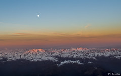 Sunrise over French Alps (Philippe Goachet) Tags: sunset sunrise sky french alpes alps montagne ciel lune moon fromabove flightdeckview inflight nikon d800 2470 28 france cockpitcapture en vol mont blanc vallée