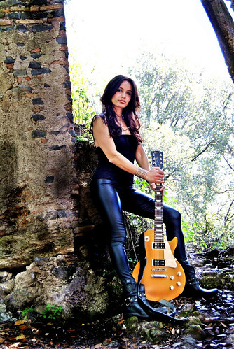 @Alex P. Lexy #hardrock #rock #ledzeppelin #musica #music #sottosuolo #underground #roma #rome   >> http://www.elettrisonanti.net/galleria-fotografica/