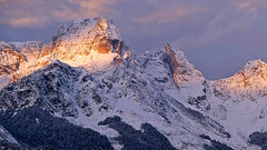 Sunset on San Sebastiano range after a snowfall (ab.130722jvkz) Tags: italy veneto alps easternalps dolomites ssebastaianotamergroup mountains winter snowfall