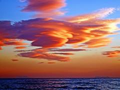 Nubes del atardecer (Antonio Chacon) Tags: andalucia atardecer costadelsol marbella málaga mar mediterráneo spain españa sunset