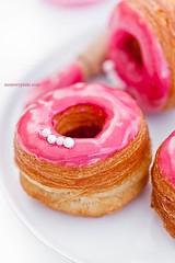 0b1fd78b228cb016fdcf91800b64f65b (Fashion-Baby) Tags: doughnut food yummy