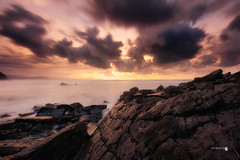 Barrika indomita (Caramad) Tags: mar landscape sunset water euskadi olas bizkaia rocks agua longexposure spain marina wate rocas marcantábrico seascape light barrika sea playa