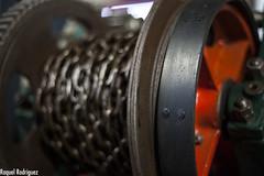 MUMI (Asturias) (Dinacast) Tags: rojo asturias mina rueda mumi máquina cadena engranaje museominero