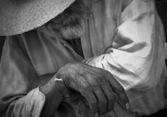 Dulces sueños (josejuanzavala) Tags: sleeping mexico hands ancient manos anciano michoacan ltytr1 josejuanzavala
