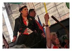 Opera singers @ De Kuip (Feijenoord de Opera (4)) (AurelioZen) Tags: europe netherlands rotterdamzuid olympiaweg feijenoordstadion feijenoorddeopera legioenzaal supporter flag audience operasingers francisvanbroekhuizen sinanvural operaculturemeetssoccerculture