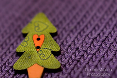 a Christmas tree... (dimitra_milaiou) Tags: tree design color colour life love live knit button pure shape nikon d sakalak shop athens knitting texture pattern happy happiness lovely day shopping city center xmas holidays seasons greetings europe heart green purple diagonal line bokeh milaiou dimitra 7100 d7100 35mm f18 greece greek hellas ελλάδα χριστούγεννα πλέξιμο πλεκτό κουμπί σακαλάκ μαλλί yarn wool
