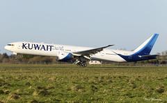 Kuwait Airways 777-300(ER) 9K-AOC (birrlad) Tags: shannon snn international airport ireland aircraft aviation airplane airplanes airline airliner airlines airways approach arriving arrival finals landing landed runway boeing b777 b773 777 777300er 777369er 9kaoc kuwait ku117 kuwaiti newyork jfk