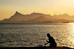 pescando com a melhor vista do mundo... (Ruby Augusto) Tags: sunset fisherman pescador layers monumentofchristtheredeemer niteróirj nikond5000 baíadaguanabara bay hills ripples pôrdosol ship