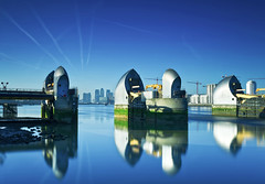 Blue (JonoHub) Tags: thames thamesbarrier river london cityscape reflections 10stopnd bigstopper canon5dmk3 docklands canarywharf