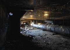 Grootslang (jgurbisz) Tags: jgurbisz vacantnewjerseycom abandoned nj newjersey ny newyork northtarrytownassembly automotive decay underground grootslang pipe dark sleepyhollow
