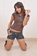 South Actress SANJJANAA Unedited Hot Exclusive Sexy Photos Set-16 (13)
