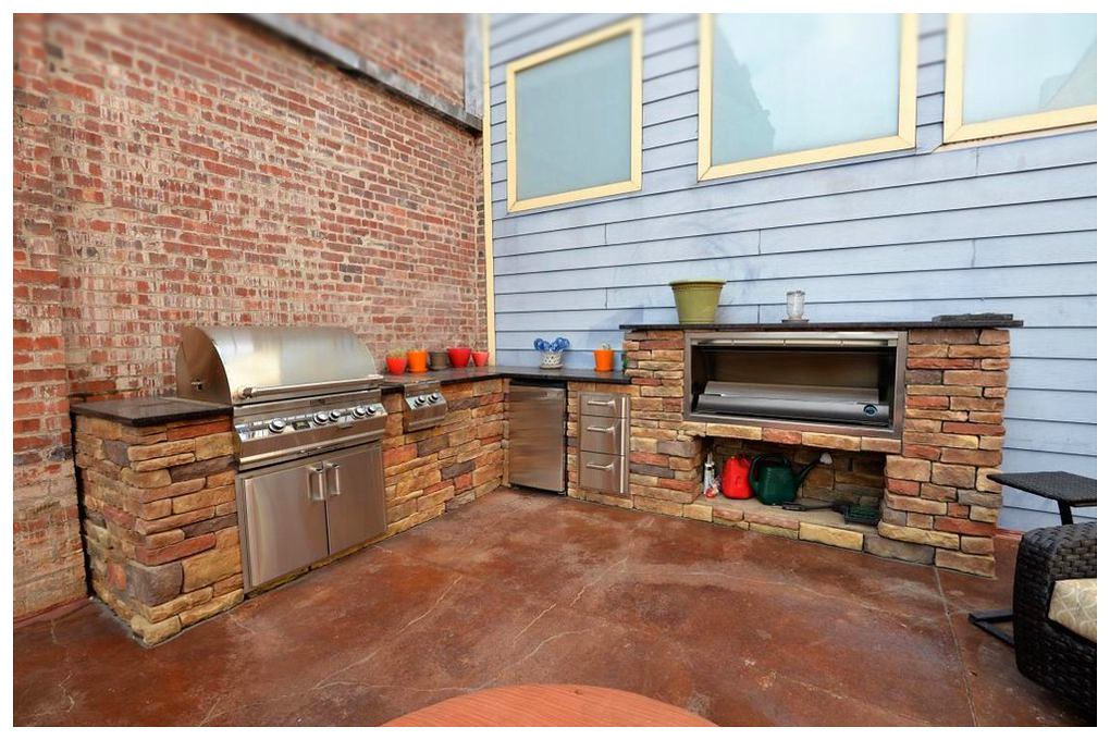 Custom Outdoor Kitchen and Fireplace. Chattanooga, Tn.