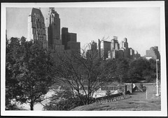 Archiv A839 Das Hampshire House und das Essex House am Central Park South in New York (Hans-Michael Tappen) Tags: nyc newyorkcity panorama newyork skyline skyscraper view outdoor centralpark manhattan centralparksouth bigapple essexhouse wolkenkratzer hampshirehouse jumeirahessexhouse archivhansmichaeltappen