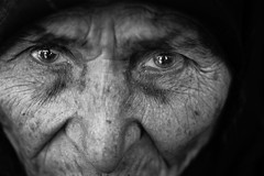 Intensely (Giulio Magnifico) Tags: old woman black detail macro turkey dark intense eyes arabic elder syria gaze powerful gaziantep nikond800e nikkormicro105mmafsvrf28