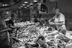 fishLadiesBWweb (HelenBushe) Tags: select market lasramblas laboqueria barcelona