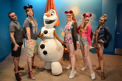Disney World 2016 (Elysia in Wonderland) Tags: disney world orlando florida elysia 2016 holiday hollywood studios olaf frozen snowman character meet greet lucy becca pete clinton