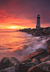 Walton Light House Splash (Erick Castellón) Tags: santacruzcalifornia santacruz sunset sunrise seascape seaside landscapephotography lighthouse longexposure