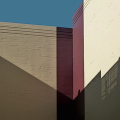 broadway brick and shade (msdonnalee) Tags: brickbuilding architecture shadow brick ombre sombra ombra sombre brique abstractreality wall