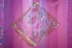 Étoile étrange (Gerard Hermand) Tags: 1701296463 peinture colle glue benne tipper gerardhermand france paris eos5dmarkii abstract abstraction abstrait metal paint pink rose canon
