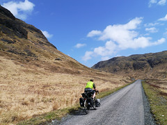 Tom, Glen More, Mull (Niall Corbet) Tags: bike bicycle island cycling scotland tour cycle mull touring