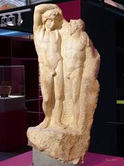 Dioniso y Satiro (Dioses, Héroes y Atletas, MAR, Alcalá de Henares, Madrid) (Juan Alcor) Tags: alcaladehenares mar museoarqueologicoregional exposicion dioniso satiro marmol pentelico diosesheroesyatletas spain españa