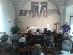 """10.12.2016 Ritiro all'Eremo di S.Salvatore con l'eremita Mario (1) • <a style=""""font-size:0.8em;"""" href=""""http://www.flickr.com/photos/82334474@N06/31452392772/"""" target=""""_blank"""">View on Flickr</a>"""