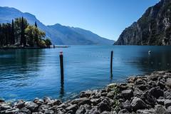 Gardasee (w.tretino) Tags: gardasee steine berge ufer