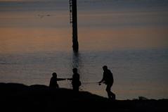 a trois c'est mieux (Jeannette201) Tags: soleil coucher lanildut mer quoi reflets