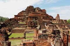 Historic City of Ayutthaya (raffaele pagani) Tags: parcostoricodiayutthaya phranakhonsiayutthaya พระนครศรีอยุธยา thailandia thailand unesco unescoworldheritagesite unescopatrimoniomondialedellumanità patrimoniodellunesco patrimoniomondialedellumanità canon