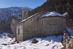 San Bernardo (Marco MCMLXXVI) Tags: none campertogno valsesia piemonte italy europe alps alpi hiking escursionismo outdoor architecture building landscape scenery mountain montagna winter inverno neve snow ancient antica church chiesa sone ilce6000 a6000 pz1650 forest rock rockbuilding rocks pietra alpeggio alpe cangello argnaccia