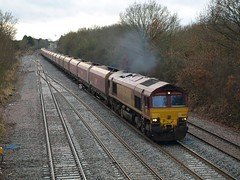 DB Cargo Class 66 66051 accelerates towards Bromsgrove (Oz_97) Tags: bromsgrove dbcargo 66051