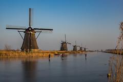 Kinderdijk (Pieter Mooij) Tags: kinderdijk zuidholland nederland nl ijspret windmolens windmills schaatsen schaatsers skaters