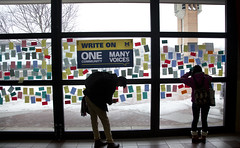 013117_immigration post-its_01 (Michigan Engineering) Tags: annarbor usa faculty students staff community togetherness window day 2017 duderstadt northcampus international inclusion umich michigan michiganengineering collegeofengineering um wolverines diversityequityinclusion horizontalframing support internationalstudents